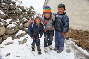 Kids in the snow. Photo by Maurice Schutgens.