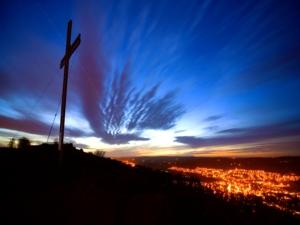 cross on hill les mcclean