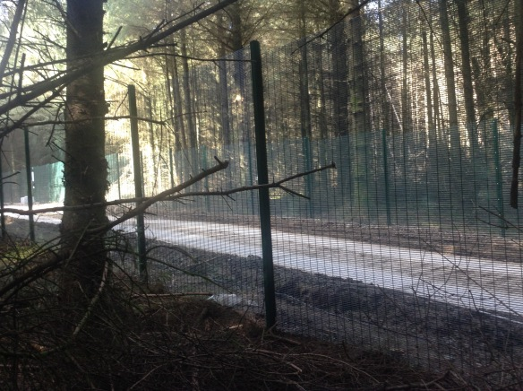 drill-site-fence-on-a-public-right-of-way